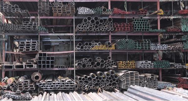 Thị trường vật liệu xây dựng tháng qua biến động mạnh