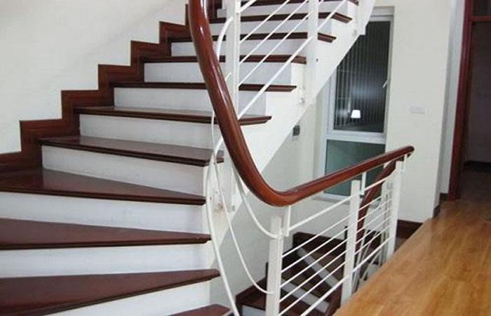 Cầu thang sắt đẹp Đà Nẵng